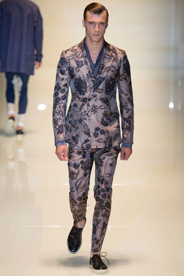 moda-hombre-2014-estampado-de-flores-en-traje-de-gucci