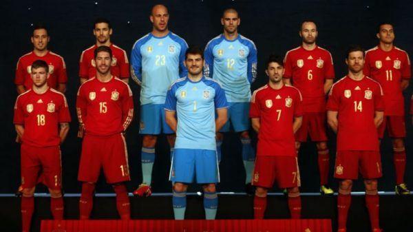 camiseta-oficial-espana-mundial-2014-jugadores