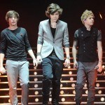 one-direction-louis-harry--niall-performing-on-the-x-factor-tour-1299235846