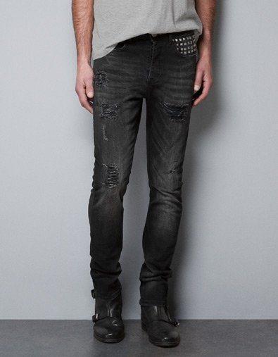 Pantalones tachuelas