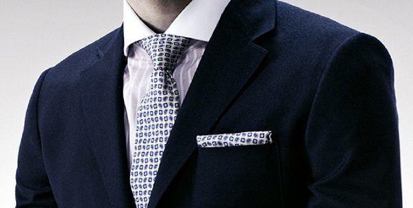 Errores traje pañuelo corbata