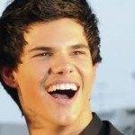 Taylor-Lautner-pelo-semi-largo