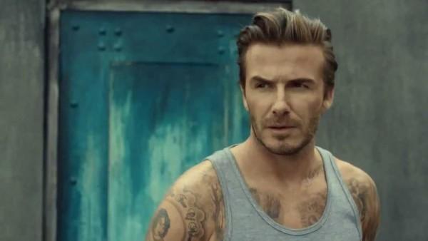 Los cortes de cabello 2015 de Mr. David Beckham Peinado hacia atrás