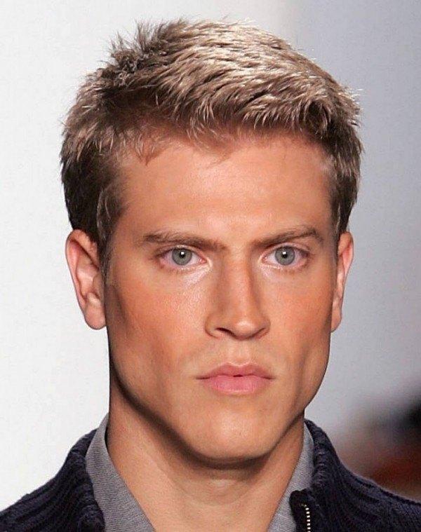 nuevos-cortes-de-pelo-y-peinados-masculinos-estilo-cabello-corto-normal