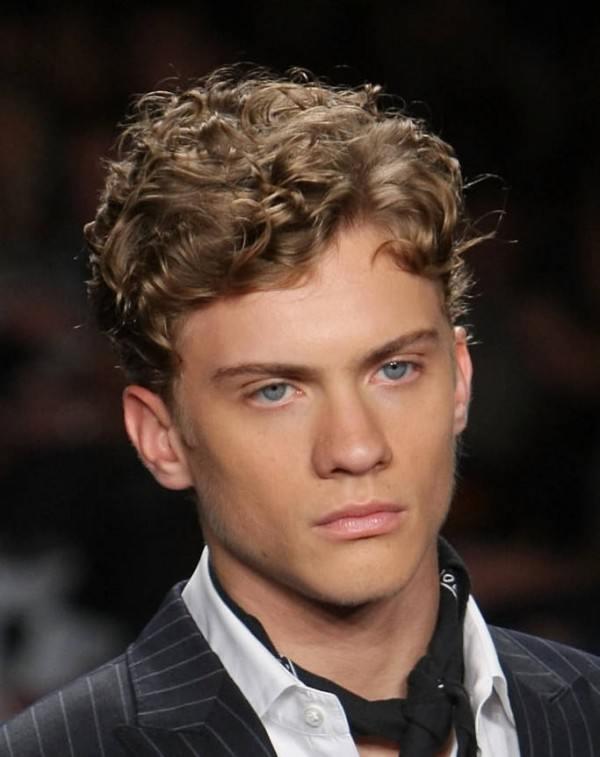 Nuevos cortes de pelo y peinados masculinos 2015 Pelo rizado