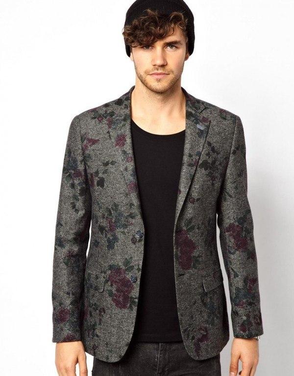 moda-para-hombres-primavera-verano-2014-consejos-para-vestir-en-esta-temporada-blazer-estampado-floral-asos