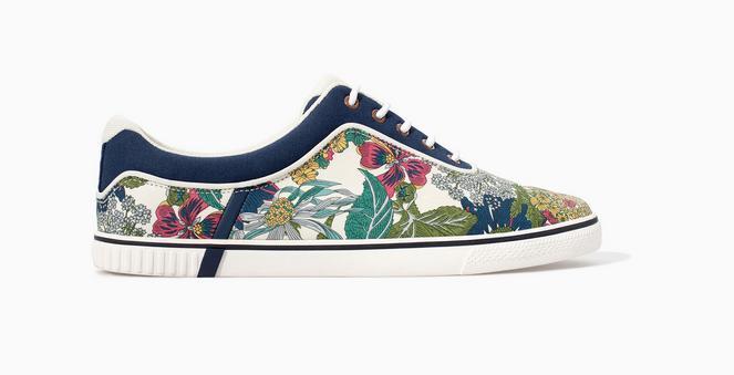 moda-para-hombres-primavera-verano-2014-consejos-para-vestir-en-esta-temporada-zapatillas-flores