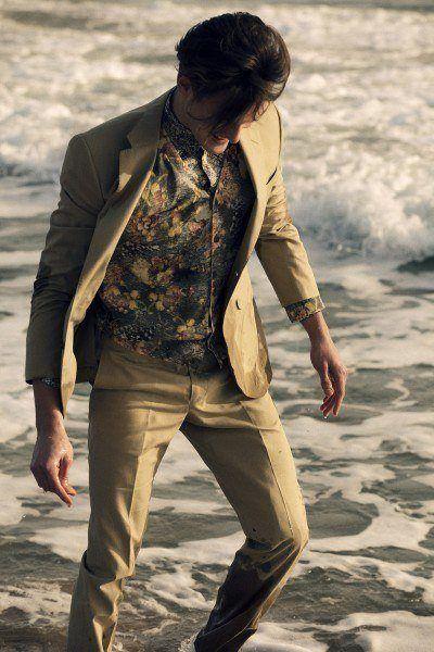 tendencias-trajes-hombre-primavera-verano-2013-Hackett-beis-algodon