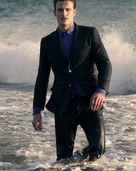 tendencias-trajes-hombre-primavera-verano-2013-emidio-tucci-azul-marino