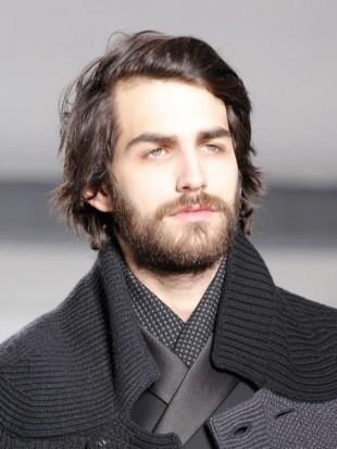мужская прическа с длинными волосами фото