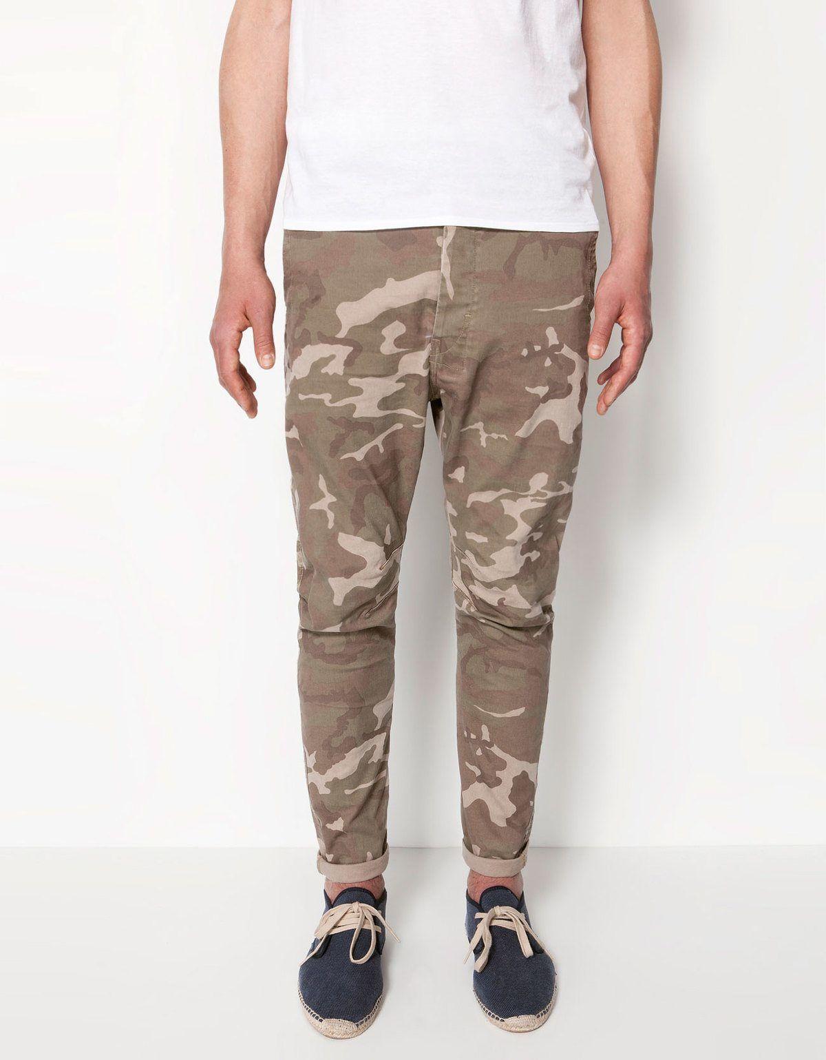 tendencias-pantalon-hombre-verano-2013-bershka-estampados