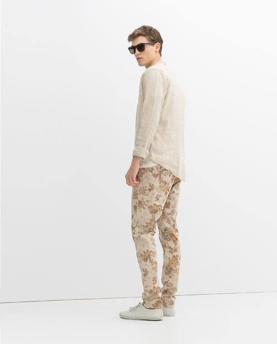 tendencias-pantalon-hombre-verano-2014-zara-pantalon-estampado-flores