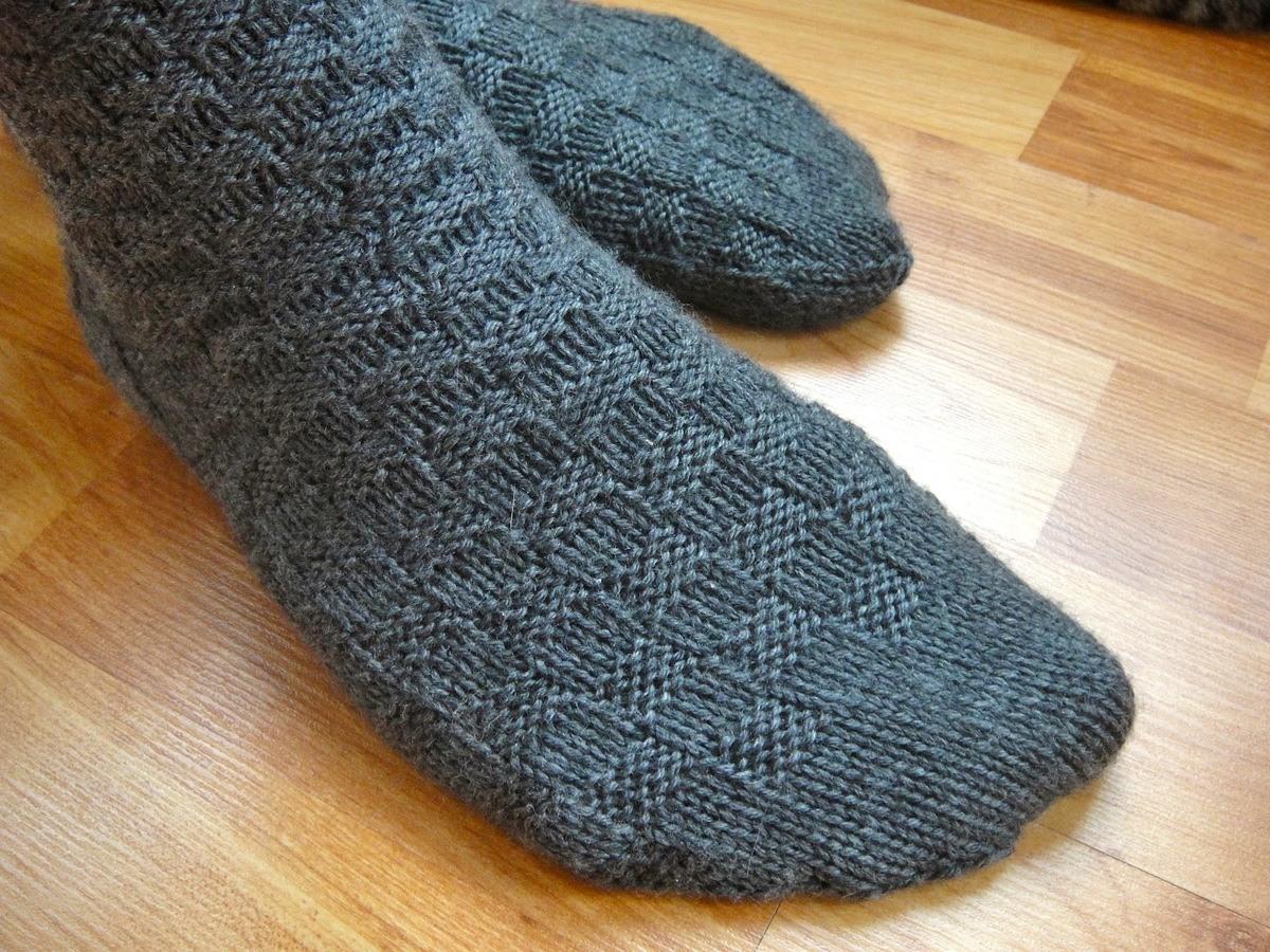 10-prendas-que-eliminar-en-primavera-verano-calcetines