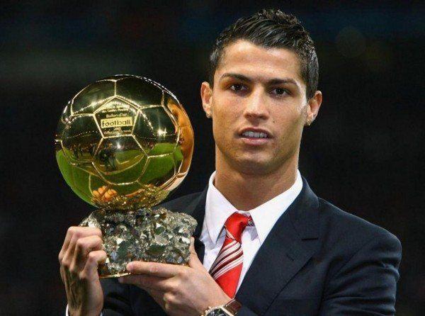 cristiano-ronaldo-y-sus-cortes-de-pelo-moda-futbol-2014-peinado-balon-de-oro
