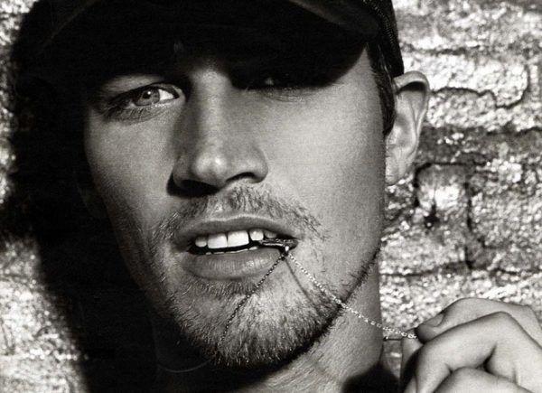 los-10-mejores-modelos-hombres-del-mundo-2013-James-Penfold