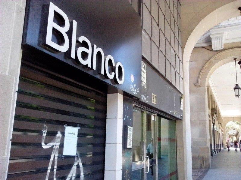 blanco-cierra-tiendas-en-espana