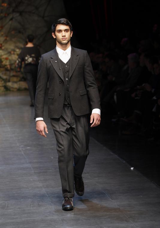 dolce-gabbana-hombre-otono-invierno-2013-2014-traje-con-chaleco