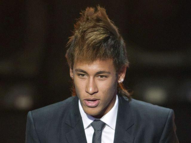 las-mejores-fotos-cortes-de-cabello-de-neymar-cresta-con-melena-y-grenas