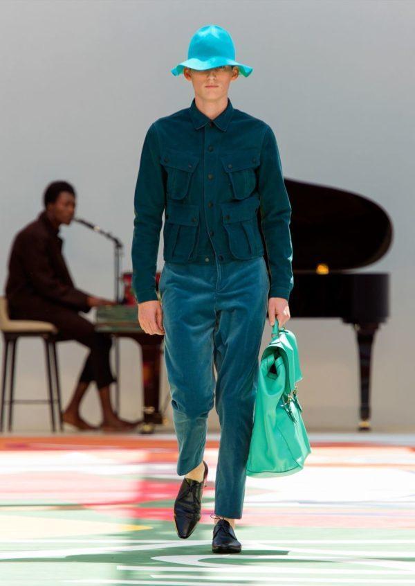 burberry-prosurm-primavera-verano-2015-chaqueta-pantalón-verde-esmeralda-corte-holgado