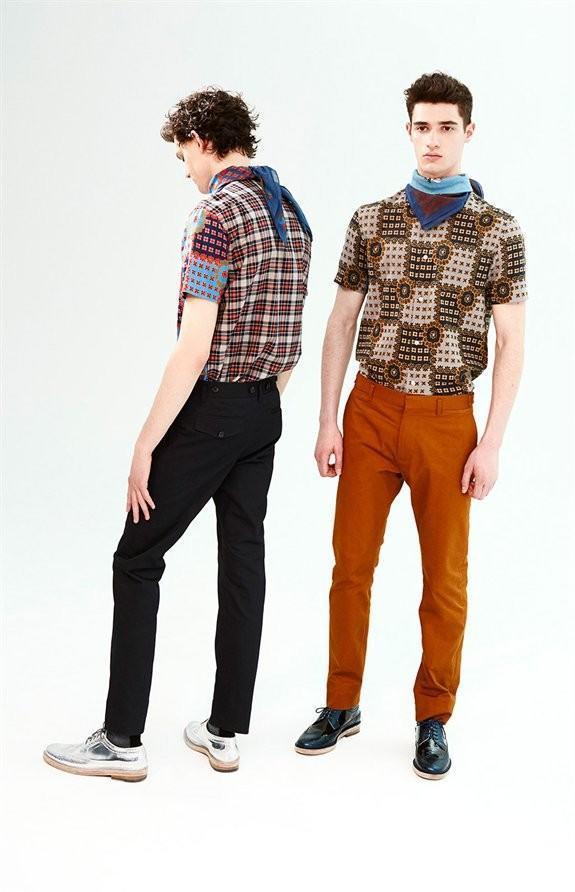 marc-by-marc-jacobs-otono-invierno-2014-2015-camisas-estampadas-pantalon-negro-y-pantalon-naranja