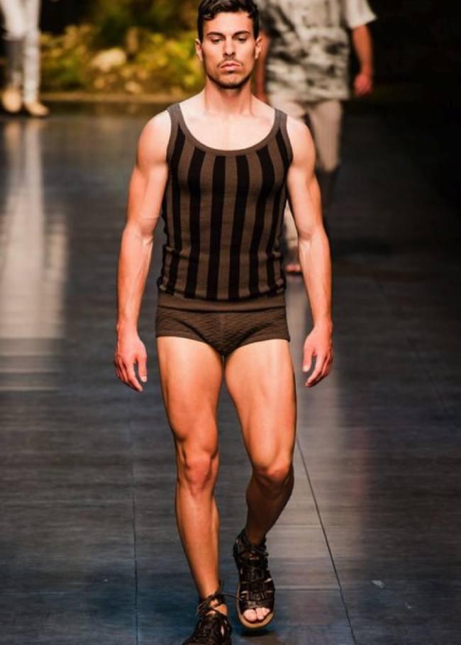 Las tendencias en Bañadores para el Verano 2015 de la mano de Dolce Gabbana slip