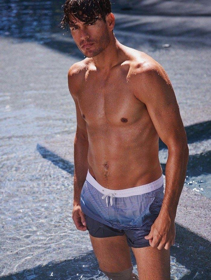 tendencias-banadores-hombre-verano-2014-bañador-rayas-azul-calzedonia