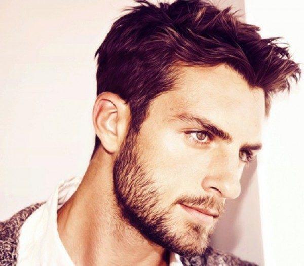 ¿Quiénes son más atractivos, los hombres con barba o los hombres sin barba?
