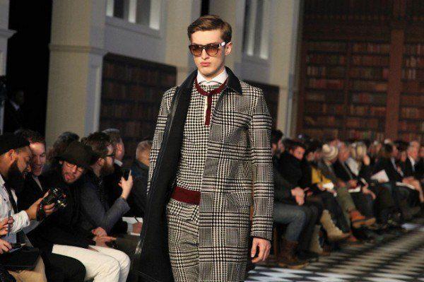 moda-abrigos-y-chaquetas-hombre-otono-invierno-2013-2014-tendencias-abrigos-cuadros