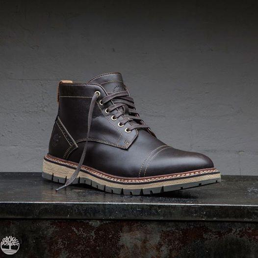 coleccion-otono-invierno-2014-2015en-calzado-timberland-para-caballero-modelo-oscuro-botin