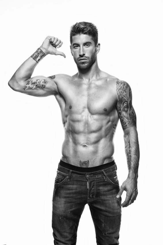 las-fotos-de-tatuajes-de-hombre-sergio-ramos-revista-mens-health-espana