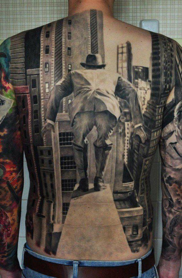 las-fotos-de-tatuajes-en-3d-espalda-crisis-29-hombre-saltando