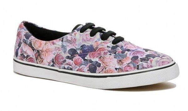 tendencias-zapatos-y-zapatillas-2014-zapatillas-loneta-flores-asos