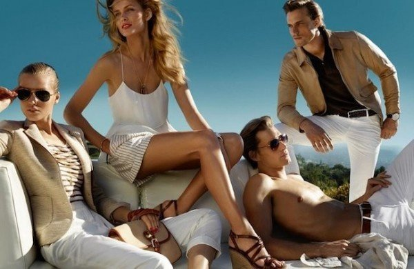 campana-massimo-dutti-para-primavera-verano-2014-cazadora-cuero-pantalon-blanco