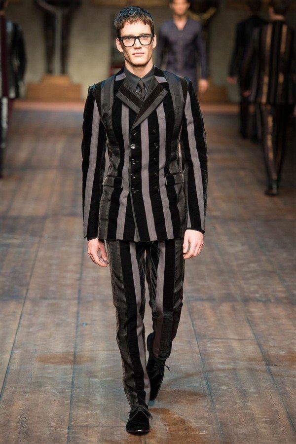 fashion-week-hombre-dolce-gabbana-otono-invierno-2014-2015-traje-negro-gris-rayas
