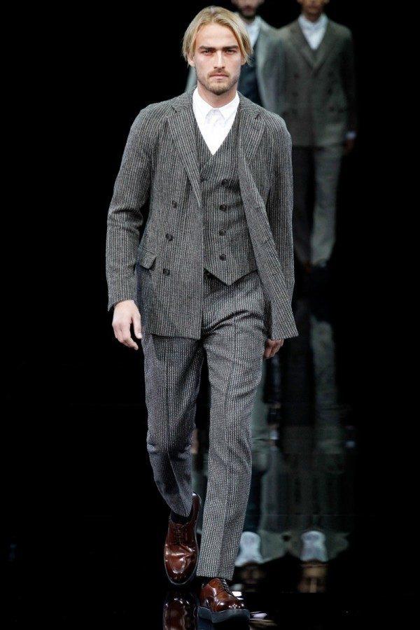 giorgio-armani-otono-invierno-2014-2015-traje-chaleco-camisa-blanca-sin-corbata