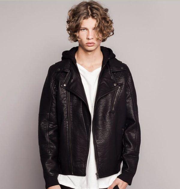moda-abrigos-y-chaquetas-hombre-otono-invierno-2014-2015-tendencias-cazadoras-polipiel-pull-&-bear