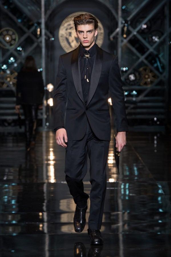 versace-hombre-otono-invierno-2014-2015-traje-negro