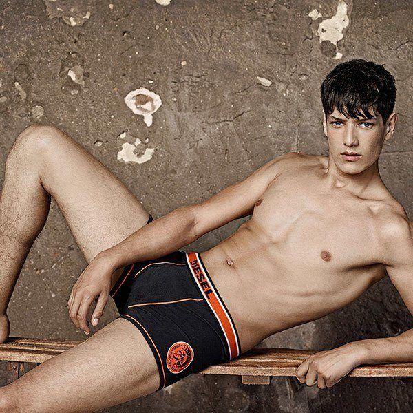 ropa-interior-masculina-de-diesel-para-primavera-verano-2015-modelo-negro-naranja