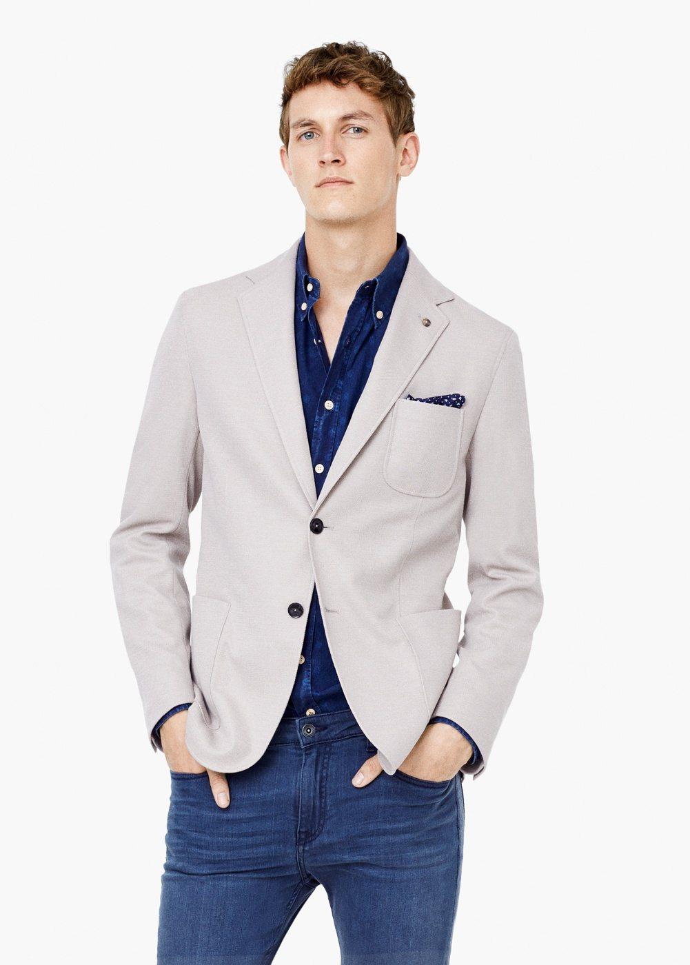 Descubre la moda de hombre online con ASOS. Las últimas tendencias en ropa, camisetas, pantalones y botas. Entrega y devolución gratuita.