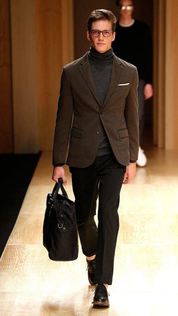 he-by-mango-otono-invierno-2014-2015-blazer-marron-jersey-cuello-vuelto-pantalon-negro-bolso-de-mano