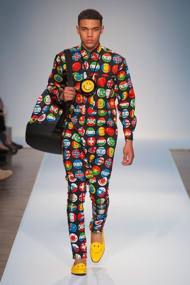 moschino-para-la-primavera-verano-2015-look-acid-camisa-pantalon