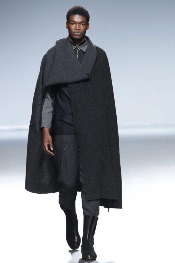 etxeberria-hombre-otono-invierno-2014-2015-abrigo-largo-estilo-capa