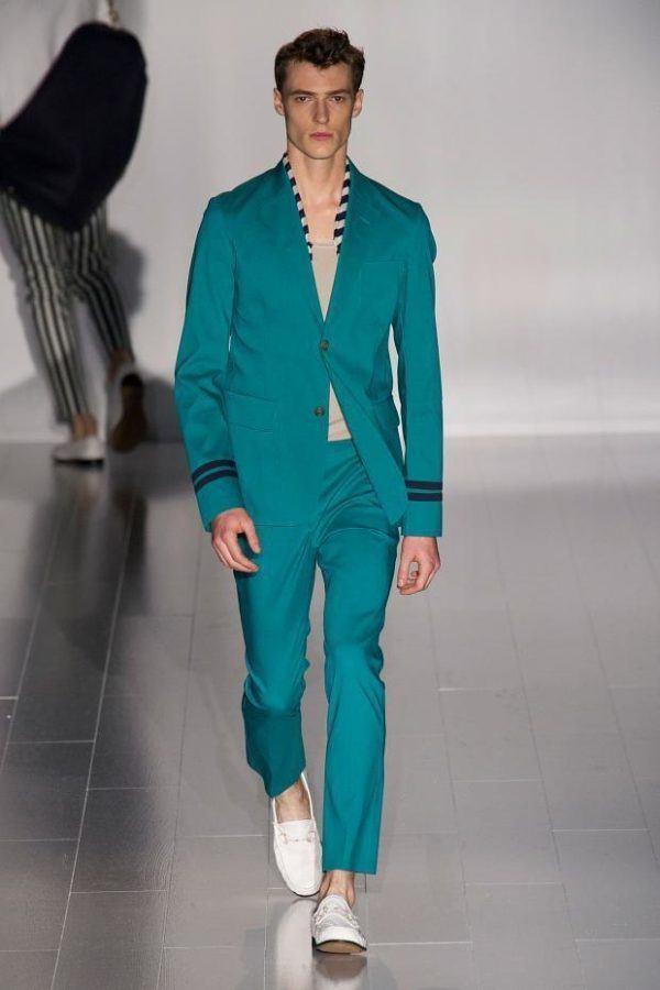 gucci-hombre-primavera-verano-2015-traje-verde