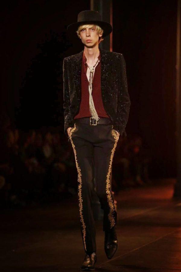 saint-laurent-hombre-primavera-verano-2015-traje-pantalon-lados-estampados
