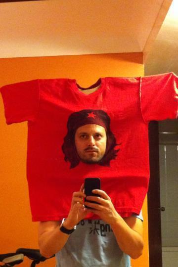 las-mejores-fotos-de-disfraces-originales-para-hombre-halloween-2014-disfraz-camiseta-che-guevara