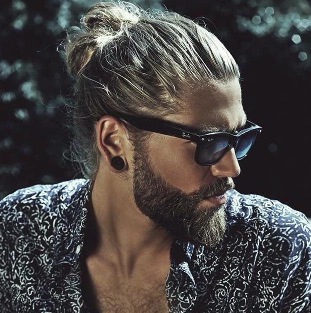 Cortes de pelo para hombre otono 2015 2016 estilo hipster for Peinado hacia atras hombre