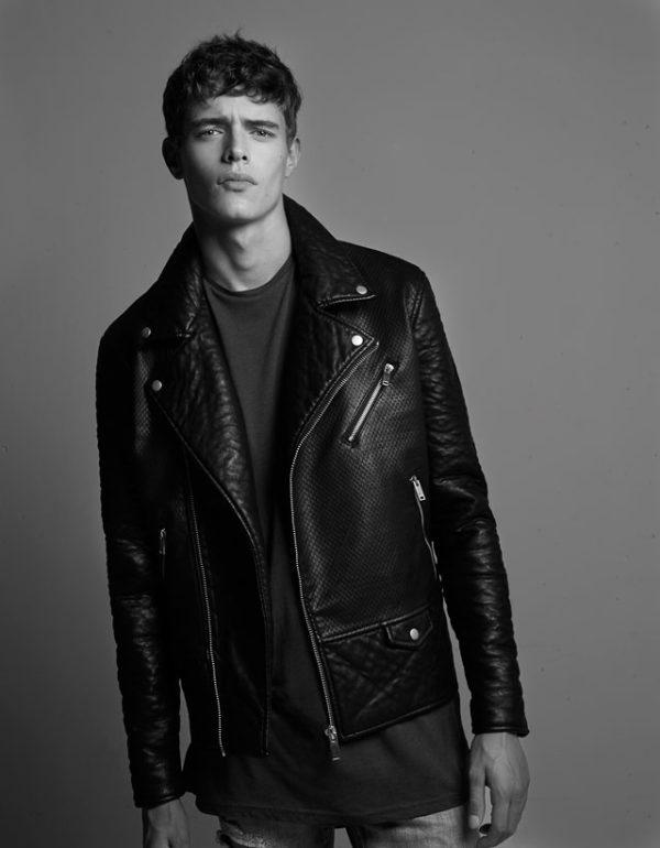 moda-abrigos-y-chaquetas-hombre-otono-invierno-tendencias-2015-2016-cazadora-de-piel-acolchada-de-bershka