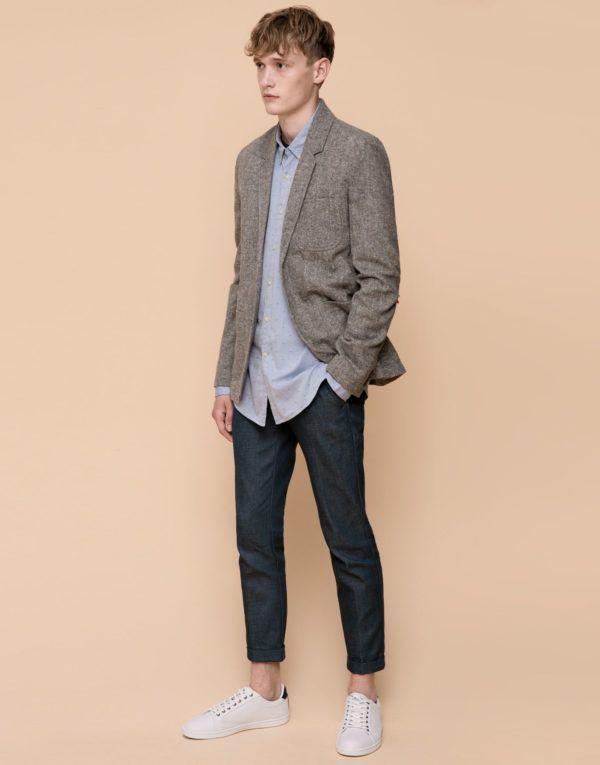 moda-nochevieja-hombre-americana-con-jeans-de-pull-and-bear
