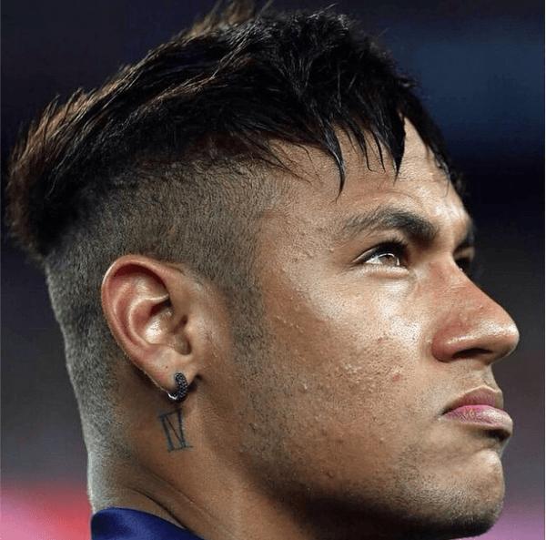 tatuajes-neymar-tatuaje-cuello-IV-