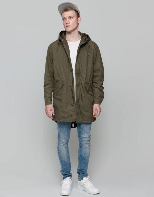 tendencias-en-ropa-para-hombre-otono-invierno-2015-2016-TENDENCIAS-COLOR-parka-verde-militar